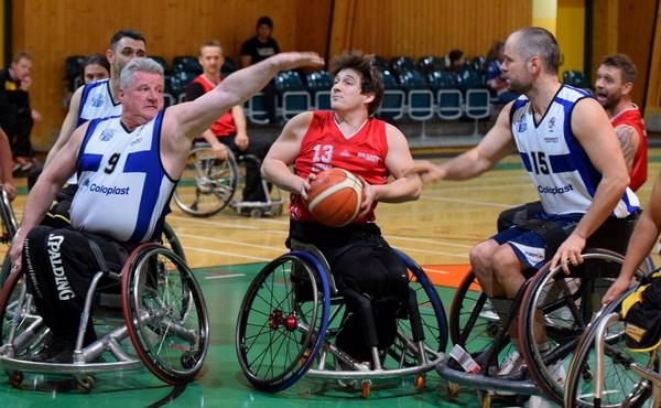 Rebound Warriors siegen gegen Pardubice und wahren Chance auf Platz 4